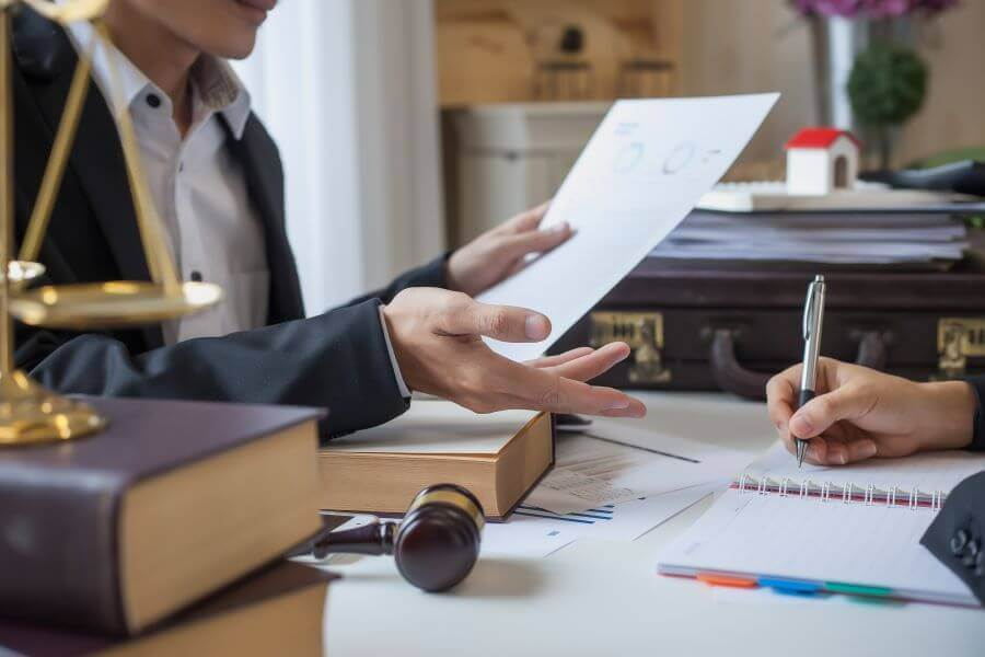 Consulting with divorce lawyer in PA
